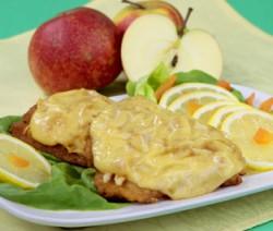 Ryba zapiekana z jabłkiem i serem żółtym